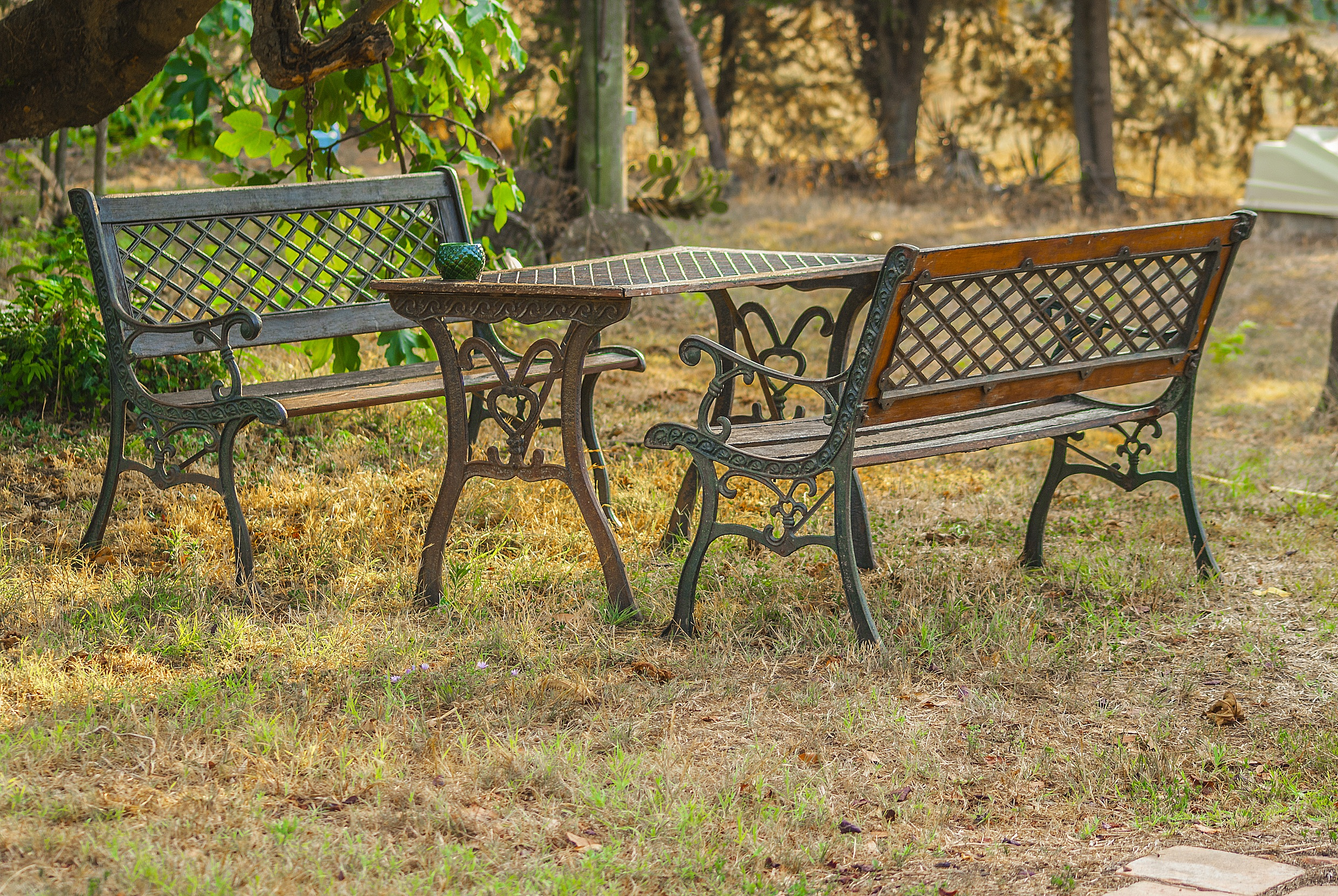 table-and-benches-856200